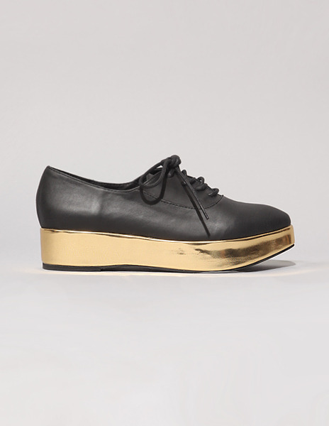 JC x PIXIEMARKET brogues remind me a bit of STINE GOYA's SS12 golden platforms