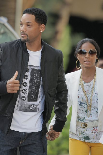 sincerelyabitch:  Wait… Jada Lawyers Up? Rumors of a Will & Jada Smith divorce have been circulating around the internet since last summer, but InTouch Weekly is reporting that Jada recently met with Laura Wassar, a celebrity divorce attorney who's worked with Birtney Spears & Kim Kardashian. InTouch is iffy when it comes to their info but you never know.  Side note: I'm pretty sure I would die a little bit if they broke up. *shrug*