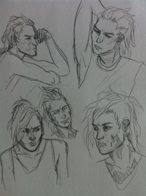 sloaneshutup:  Some sketches of Sargon from that apoca-robo comic  sargon yessss