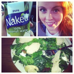 Healthy eating 😉#naked #coconut #spinach #salad #cheese #chicken #sunshine #healthy #delicious #food 🍴 (Taken with instagram)