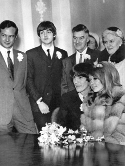silverhairspray:  Pattie Boyd and George Harrison's wedding in 1966