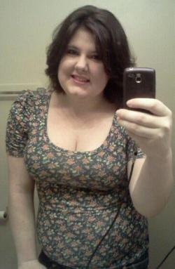 Went out on a date day with my best friend <3 I absolutely loved it. Sported a new 'do today cause I was too lazy to straighten it, but I think I like this A LOT better! :)