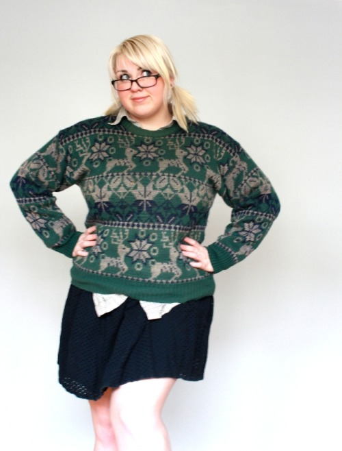 CHRISTMAS IS NOT OVER! Curvy Gals love vintage Deer sweaters