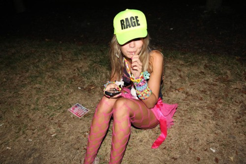 Someone PLEASEEE get me this hat http://ragehats.com/product-pages/27-neon-pink-mesh-snapback-rage-hat