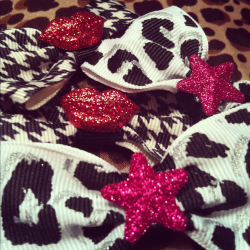 Glitterati Bow Set going up in the shop tonight :)