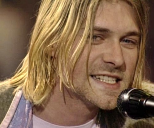 n-irvana:  Kurt requirement for Unplugged in New York at 93: What show him smiling