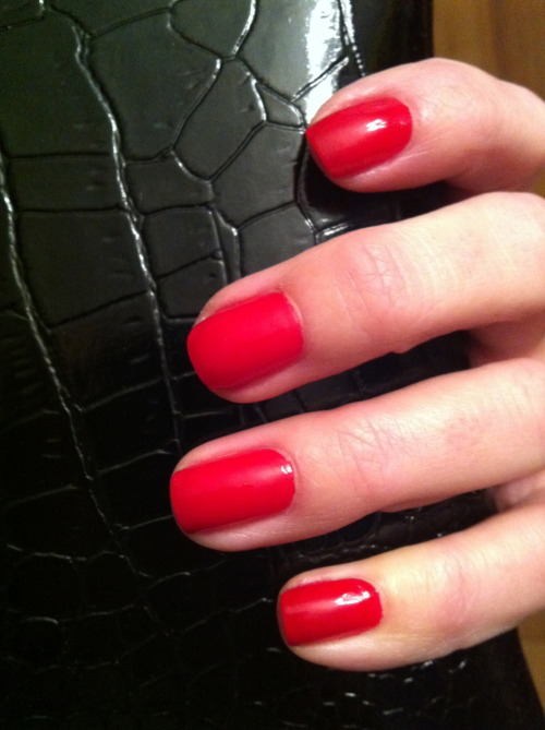 Ways to feel pampered on a budget in January…Get a manicure! My hands felt dry, my nails were chipped, I had a snag that was catching on everything, here is my before and after, I feel like a new person, and during the manicure they give you a massage, its a spa hour for a manicure price! Instant mood boost. My Manicure was done by oasis nail & spa, Branford, CT