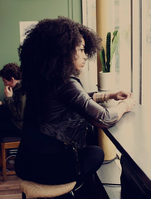 mmm-germanchocolate:  treasured-tresses:  I just love her hair!  I wonder if this is what I look like to strangers?
