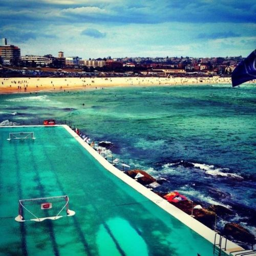 jooeeeyyyyy:  Pool at Bondi Icebergs