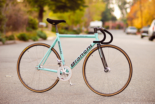 titsandtires:  lukes bianchi (by A. Furlong Photography)