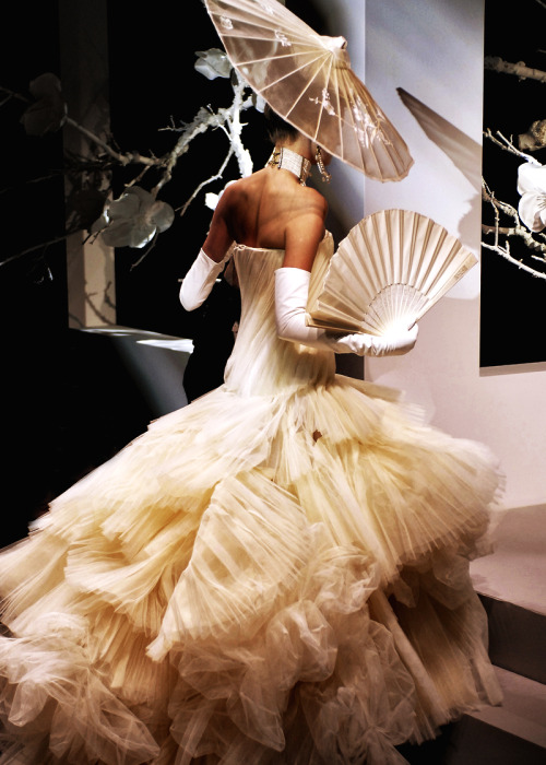 modeavenueparis:  Christian Dior Haute Couture Spring/Summer 2007 | Paris