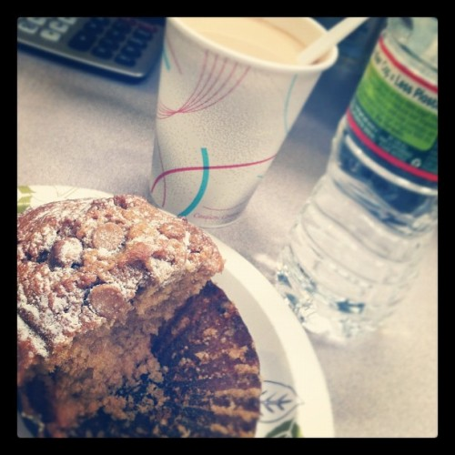 Breakfast time! ☕🍴🍰#instagram #iphoneography #foodie #muffin #cappuccino #coffee #breakfast #morning #yum #thursday  (Taken with Instagram at GMLV)