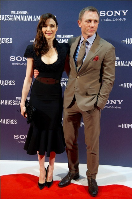 chelebelleslair:  Rachel Weisz and Daniel Craig at the premiere of THE GIRL WITH THE DRAGON TATTOO in Madrid, Spain.
