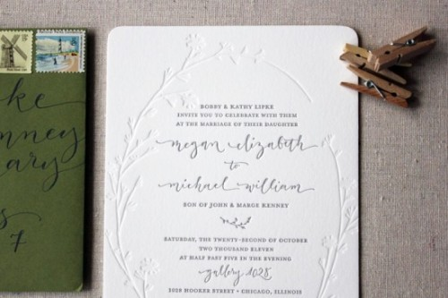 (via Modern Organic Illustrated Calligraphy Wedding Invitations | Oh So Beautiful Paper)