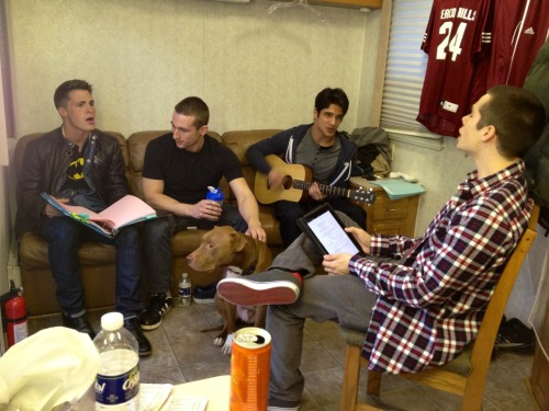 teenwolf:  Passing time between scenes in Dylan's trailer.   I would love to be in Dylan's trailer;)