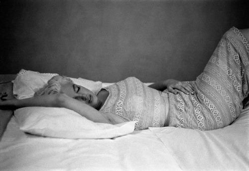 Marilyn Monroe resting, 1955.Photographed by Eve Arnold, who died today aged 99. Eve Arnold/Magnum Photos