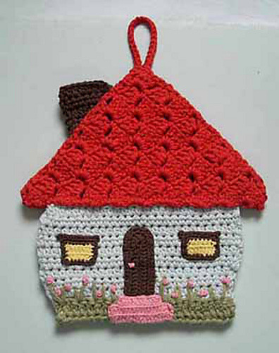 motleycrafter:  Ravelry: Honeymoon cottage potholder pattern by Lily Mills Company  So cute!  Oh Tumblr, how I've missed you!!!