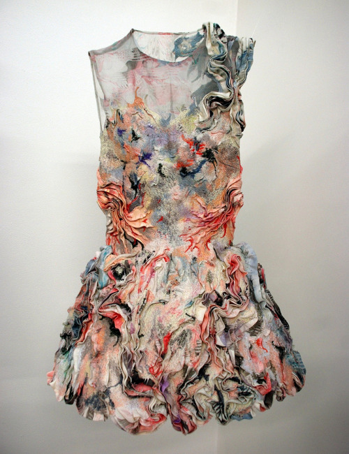 This is one of the most beautiful garments I have ever seen!!!!!!!!!!!!!