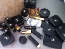 monda-ys:  the0landa:  you can never have too much chanel   chanel everythang
