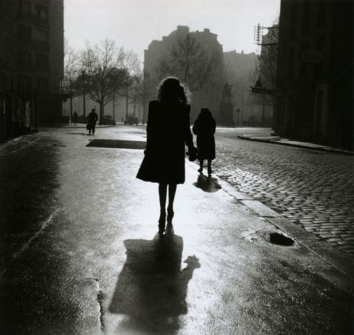 liquidnight:  Édouard Boubat Paris, France, 1948 From Édouard Boubat: A Gentle Eye