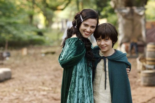 peppermintponies:  I wish Merlin was a show about how Merlin and Morgana elope into the woods, adopt Mordred as their kid, and lead happy, magic filled lives. Mordred could start attending Hogwarts at age 11 and Merlin could swing by Camelot some time to bicker with Arthur.