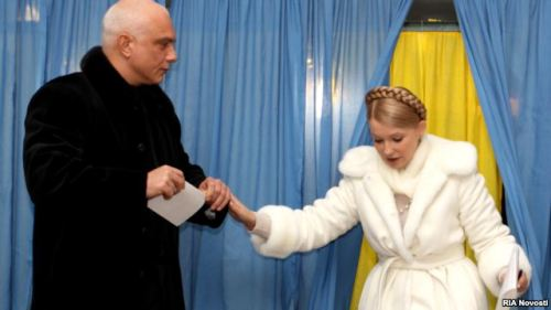"Reports: Tymoshenko's Husband Seeking Asylum In Czech Republic Czech Foreign Minister  Karel Schwarzenberg has confirmed reports that the husband of Ukraine's jailed former prime minister Yulia Tymoshenko has asked for asylum in the Czech Republic. Earlier, the Czech daily ""Pravo"" said Oleksandr Tymoshyenko asked for asylum at the end of last year. The Reuters news agency quoting a Czech government source also carried the same report.""Pravo"" said on January 6 that the Czech interior and foreign ministers discussed the issue on January 4.""Pravo's"" website says it is ""very likely"" Oleksandr Tymoshenko, a 51-year-old businessman who also has business interests in the Czech Republic, will be granted asylum."