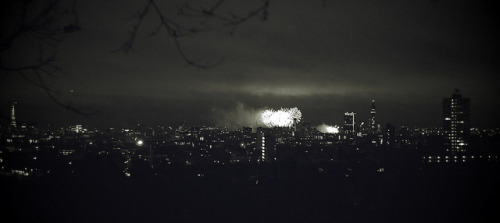 New Year's Eve Fireworks on the London Skyline by Theo Brainin on Flickr.