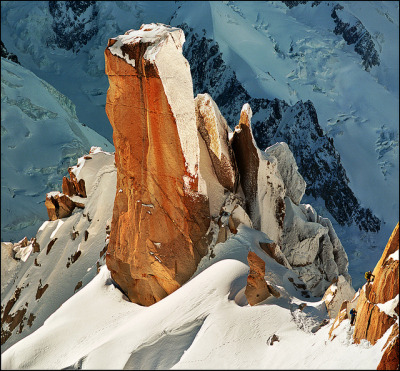 Massif Mont-Blanc, Aiguille du Midi + Alpinista by Katarina 2353 on Flickr.
