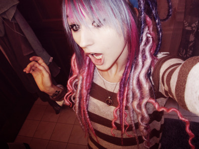 lostintheasylum:  My new dreads XD