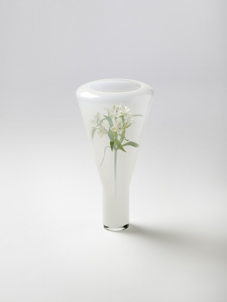 evrtstudio:  Blur vase by Big Game A unique idea putting all of the flowers inside of the vase.