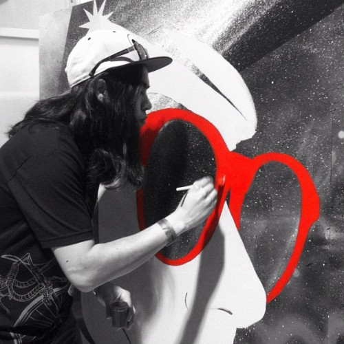 @jameshaunt live painting at his booth, so dope! #Art #JamesHunt #colorsplash #AgendaTradeShow (Taken with instagram)
