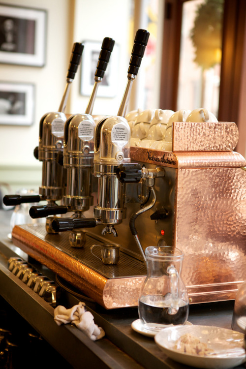 m0cha-latte:  The Little Corner ~ Victoria Arduino Espresso Machine