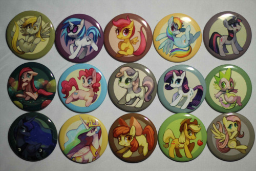 purplekecleon:  First set of pony buttons!  I'm going to be giving this set away to a random reblogger 1 week from now [Jan 13th].  Buttons can be obtained at my site - I also need to set up a way to make taking PayPal convenient, probably. I will add more buttons when I can!  Any feedback is appreciated and useful. Edit: If you greatly desire to use PayPal instead, please send me an email at purple.kecleon@gmail.com and I'll just handle the order manually (instead of using my site)  these look so awesome! I so want them!