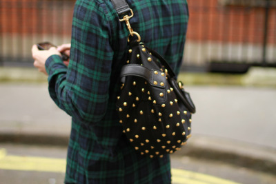 【PELAYO DIAZ: GIVENCHY STUDDED BAG】 KATELOVESME 详情
