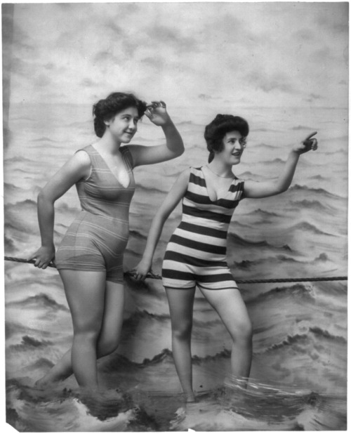 Fitz W. Guerin [2 women in bathing suits]