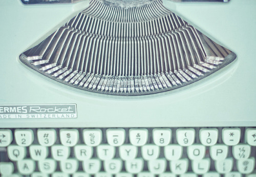 Mint Green Typewriter by JoyHey on Flickr.