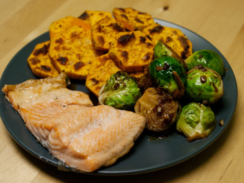 Dinner baked rainbow trout: 140 calories Brussels sprouts with soy sauce, honey, garlic, and ginger: 160 calories baked sweet potato slices: 175 calories Total: 475 calories  Snack banana-strawberry-date smoothie made with almond milk: 210 calories rye crisp: 30 calories Day Total: ~1,600 calories