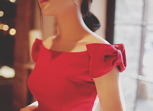 Little Red dress, me encantan los moñitos