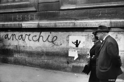 fotojournalismus:  Paris, May 1968. [Credit : Marc Riboud]