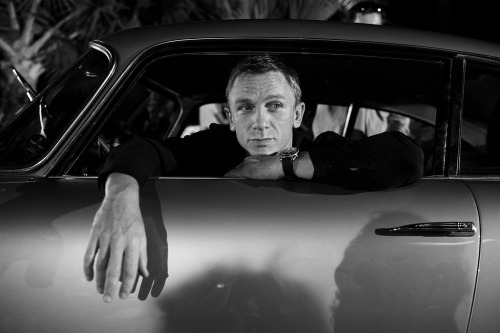 mostexerent:  Mr. Bond = classic & still current