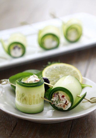 tumblrgym:  Cucumber Feta Rolls Get more fitness motivation here  These look good. I wonder what else is in the center.