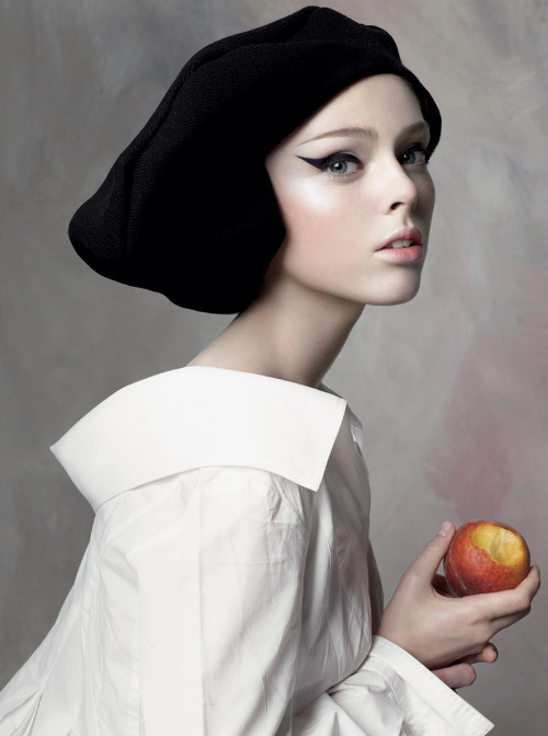 inbeautyandvanity:  inbeautyandvanity:  Coco Rocha by Steven Meisel for US Vogue September 2007