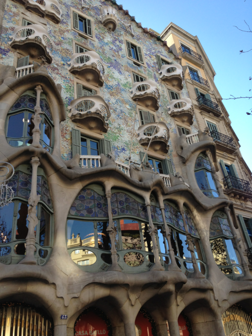 My first picture in Barcelona- house of Gaudi. Tomorrow I'm attacking this city so stay tuned for more!