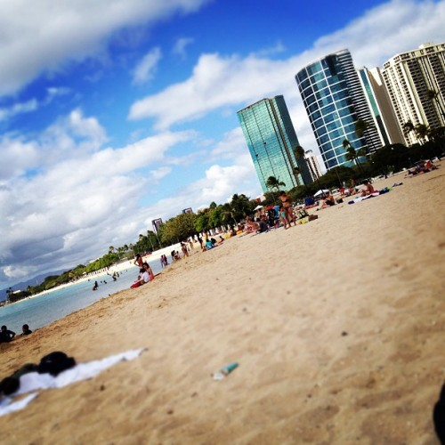 meh. not so sunny. #beach #honolulu Taken with Instagram at Ala Moana Beach Park)