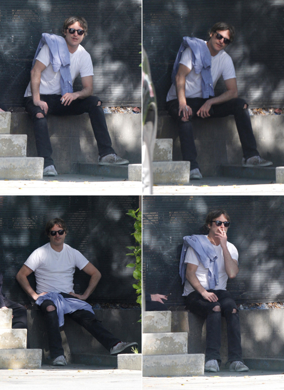 Joaquin is looking adorable in these candids yesterday. I've been thinking about him a lot lately & then he shows up looking darling & silly & I've decided, yes, it's a rough ride, but I am back on the Phoenix Express.