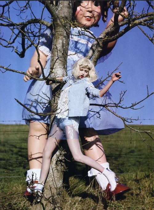 suicideblonde:  Lindsey Wixson photographed by Tim Walker for Vogue Italia, January 2012