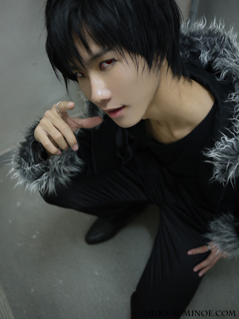 My cosplay of the character Orihara Izaya (折原 臨也) from the anime Durarara!!. Photo taken in the year 2010.
