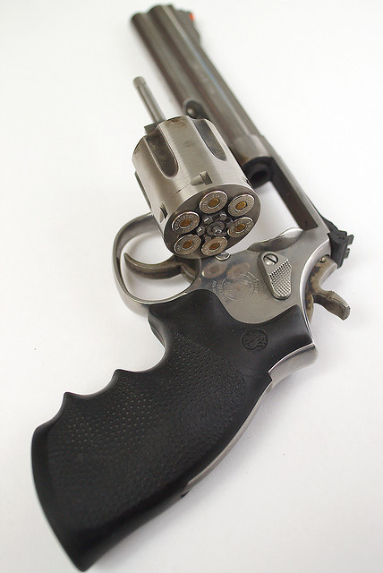 p0litical:  Smith & Wesson Model 686 Revolver with Cylinder Open by bk1bennett on Flickr.