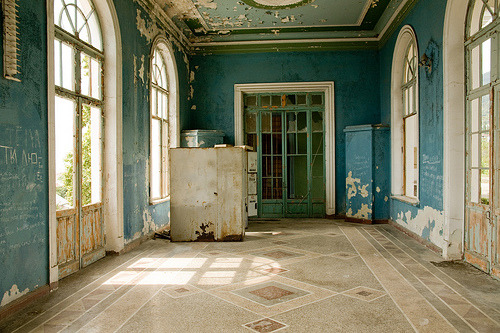baneful:  Abandoned train station (by varlamov)