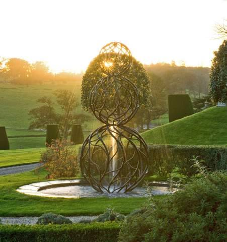 Water Sculpture: Giles Rayner, Castle Hill Devon, England